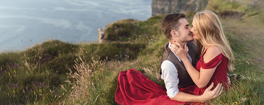 An Irish engagement photo shoot cliffs of moher in Ireland