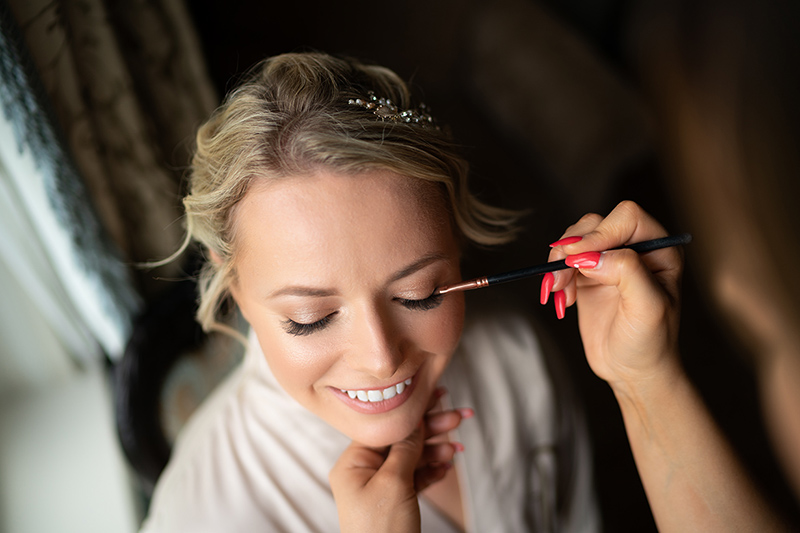 Hair and makeup tips for wedding day